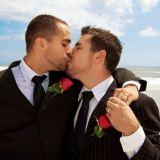Ylpeästi - Lue Sunnuntaisuomalaisen sensuroitu homoartikkeli