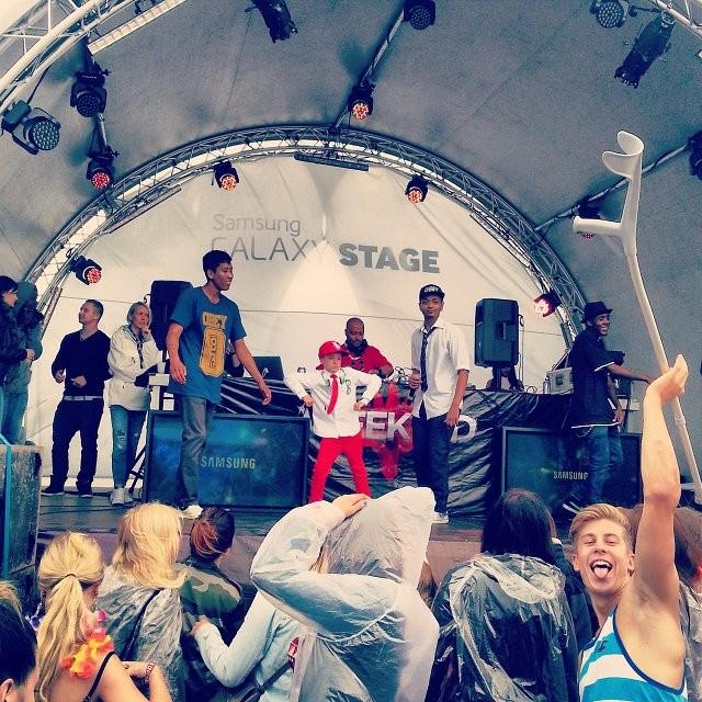 DJ Rahim esiintyi poppoonsa kanssa lauantaina.