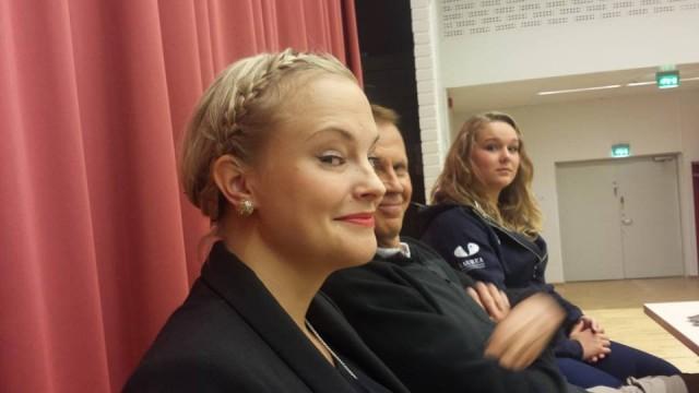 Olin Kati Niemen (KN Collection), Jukka Nissinen(Symboli), Jessica Gustafssonin (perustetava yritys) ja Pirjo Kivistön (Point Production, ei kuvassa) kanssa yrittäjyyspaneelissa tänään puhumassa. Saimme Twitterin kautta kiitosta. Mitä merkitystä kiit