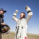 17 vuoden määrätietoisen etenemisen tulos. Felix Baumgartner iloitsee kun on menestyksekkäästi onnistunut tekemään base hypyn avaruudesta. Red Bull Stratos tapahtuma, Roswell, New Mexico, USA 14.10.2012.