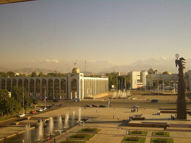 Bishkekin keskusaukio.