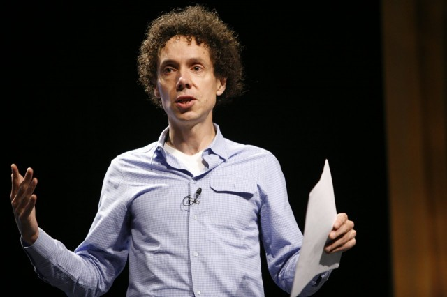 Malcolm Gladwell - David ja Goljat Nordic Business Forumissa. Kuva  Pop!Tech(CC BY 2.0)