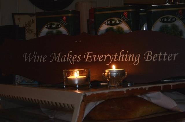 Viini on luonteva osa italialaista illallista.