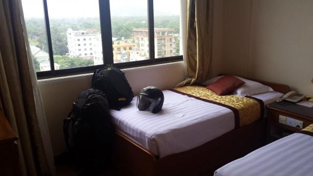 Kaikilla burmalaisilla ei olisi varaantällaiseen luksushotelliin. Ihanaa olla rikkaassa kuplassa kehittyvän maan sisällä.