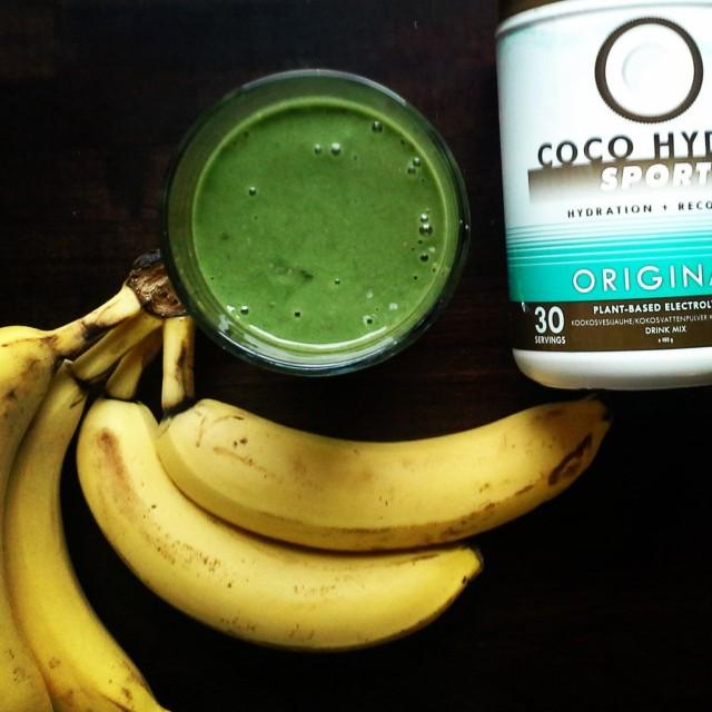 Nesteenä käytän Big Tree Farmsin Coco Hydro Sport -jauheesta tehtyä kookosvettä.