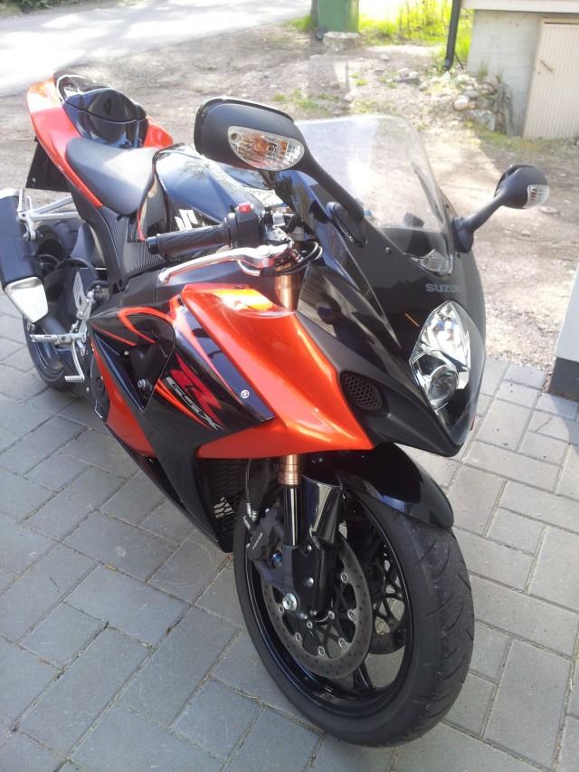 Toiset tykkää nopeista moottoripyöristä. Ostin, nautin ja myin voitolla. Tavallisen ihmisen yrittäjäelämää.