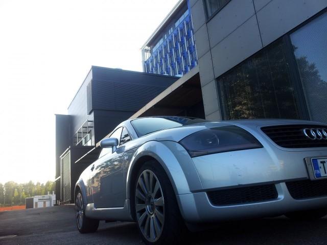 Mun yks haaveista nuorena yrittäjänä oli hommata Audi TT. No sekin on toteutunut :)