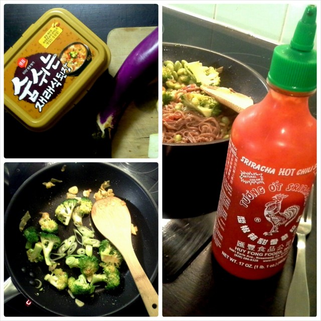 Soba-edamame-stirfry maustetaan ihanalla Srirachalla! HOT!