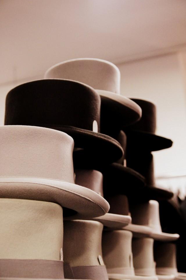 Mieleni teki laittaa miehille päähän tuollaiset hatut! Mutta en mennyt niin pitkälle. Pitäähän ensi vuodellekin jättää jotain! ;)