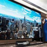 Samsungin 110 -tuumainen telkkari. Uuh.