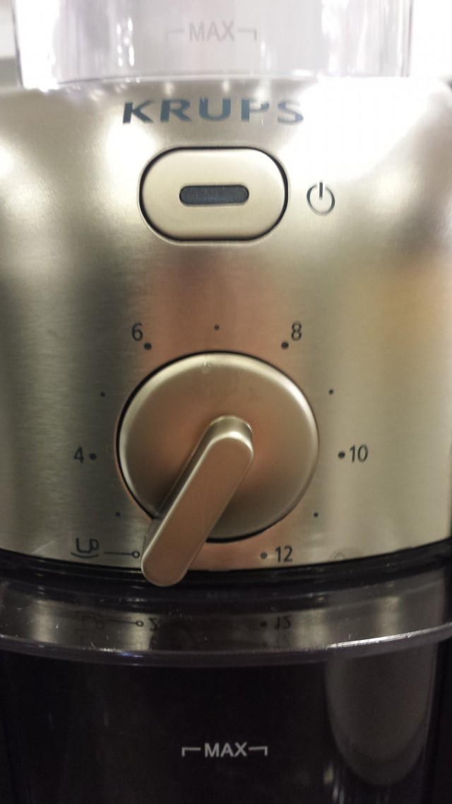Jauha kahvia vain sen verran kuin aiot heti keittää. Kahvin pahimpia vihollisia on ilma, lämpö ja valo. Papuna viileässä kahvi säilyy paremmin.