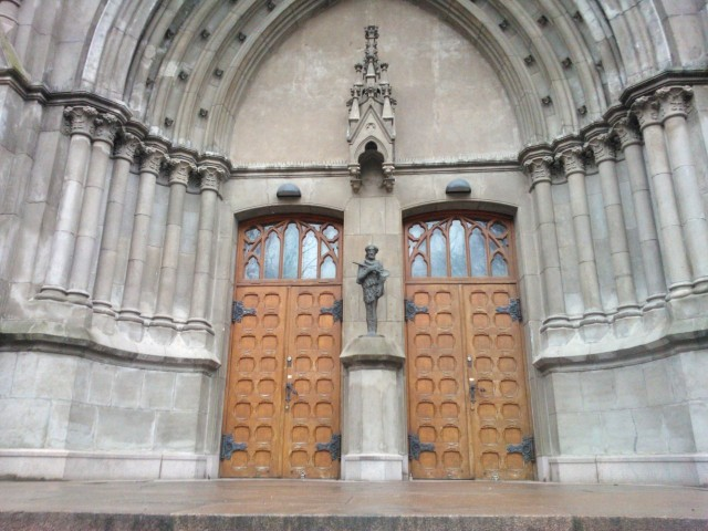 Johannaksen kirkon eräs  sisäänkynti