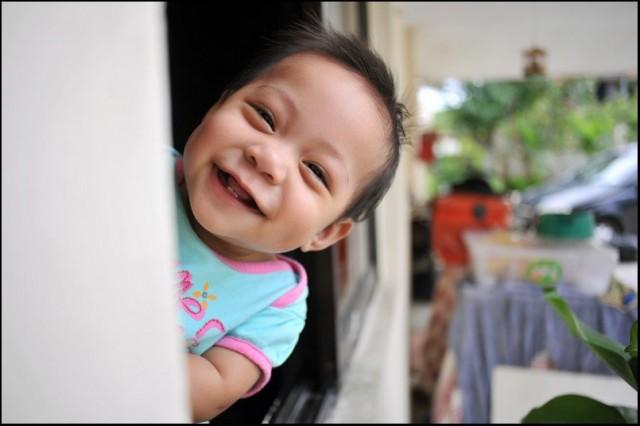 Toisella on #ekatyöpaikka lapsimallina ja toisella toimitusjohtajana. Aika jees. Kuva Flickr (CC BY SA) HaniSham™