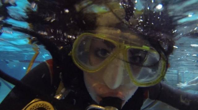 Sukelluslook ei kyllä ole mikään maailman imartelevin