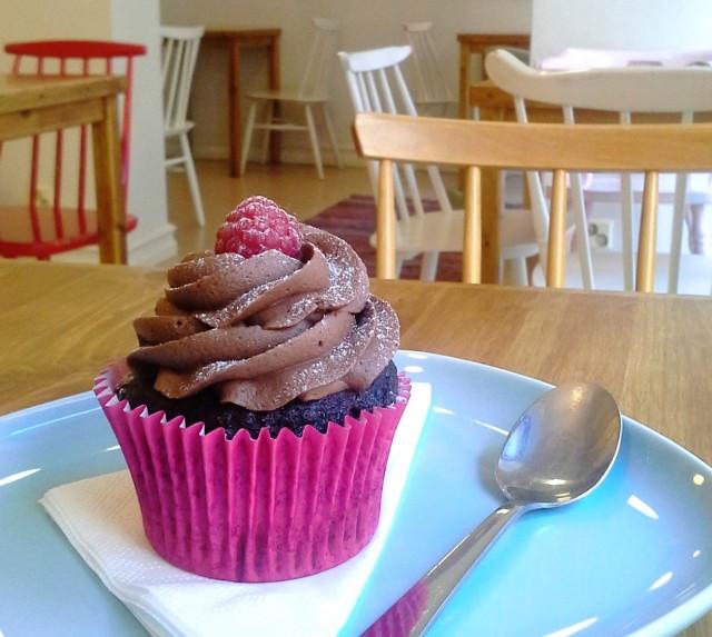 Vadelma-suklaa cupcake ♡♡♡