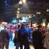 Startuppien esittelykojut kiinnostivat yleisöä.