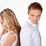Edellinen suhde horjuttaa itsetuntoa