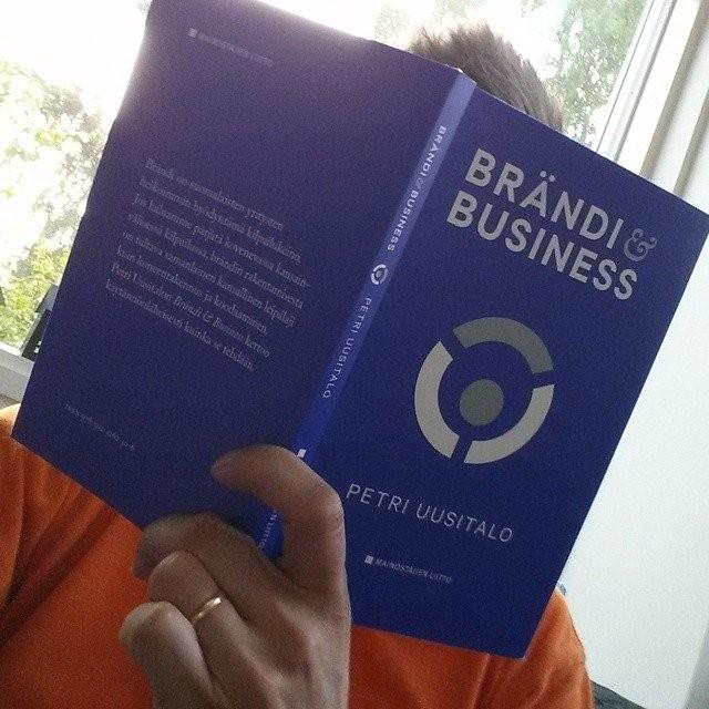 Brändi & Business -kirja on erinomainen opas markkinoijalle ja bisneksen vetäjälle.