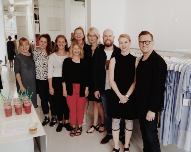 Vasemmalta oikealle: Milla Kettunen (Month of Sundays), Kaisa Riivari (RIIVARI), Anni ja Viivi Arela (Arela), Petra Pesonen (LILLE), Terhi Pölkki, Janne Lax (Saint Vacant), Kirsi Lille (LILLE) ja Jarkko Kallio (FRENN).