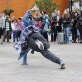 Helsinki Street Festival tanssitti hyvän asian puolesta