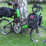Pyörä lastattuna juhannusviikonloppua varten.