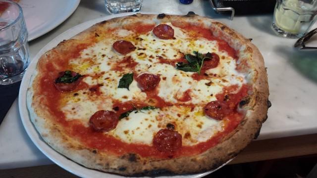 Ensimmäinen hyvä pizza meni pilalle kokin perusvirheen vuoksi.