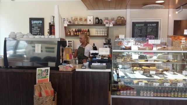 Kahvi Charlotta on kiva kahvila kampissa.