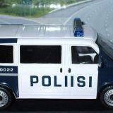 Poliisit nousevat barrikadeille