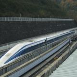 Leijuva luotijuna yltää 500 km/h:n nopeuteen