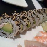 Sashimii ja sushii. Maiskis.