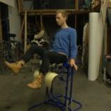 Hollantilainen hiirituoli liikuttaa istumatyöntekijöitä