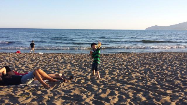 Elämä on seikkailu jossa on hyviä ja huonoja päiviä. Kuva Italiasta joltain beachilta.