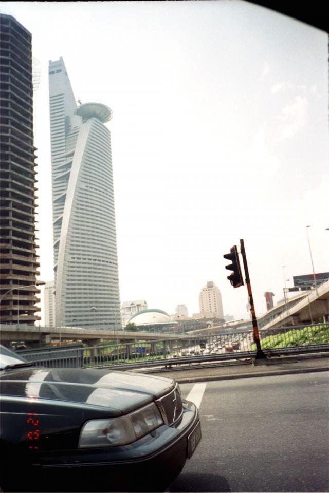 Tuhlasin nuorena paljon rahaa turhuuksiin. Kuva Malesiasta. Reissusta jäi muistoja, mutta firman laajentaminen sinne oltaisiin voitu jättää väliin.