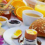Uusi ruokatrendi #brinner siirtää aamupalan iltaan