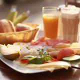 5 x ravintola-aamiainen