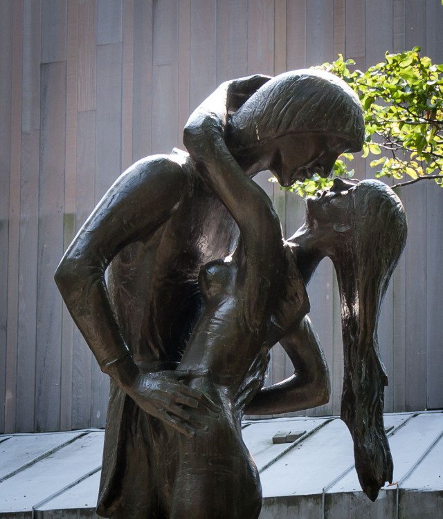 Romeo ja Juulia patsas, Belvedere Castle, Central Park NY. Kuva: cc by sa Johan Wieland. Kiellettyä rakkautta.