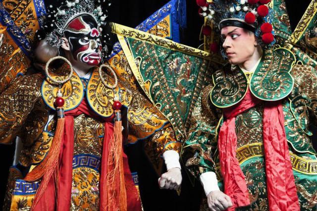 Wusheng Company tarjoilee ihka-aitoa Peking-oopperaa Suomen kielellä.