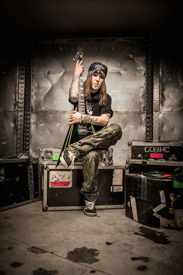 Children of Bodomin Alexi Laiho haluaa Senaatintorille 100 sähkökitaristia rinnalleen esiintymään.