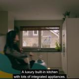 Talomyyjän huikea markkinointitempaus: rakensi vuoristoradan talon sisälle