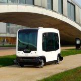 Robottibussi kuljettaa asuntomessuvieraita Vantaalla