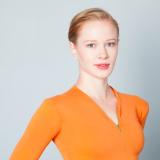 """""""Ylitän pelkoni joka esityksessä"""" – Ballerina Emmi Pennasen haastattelu"""