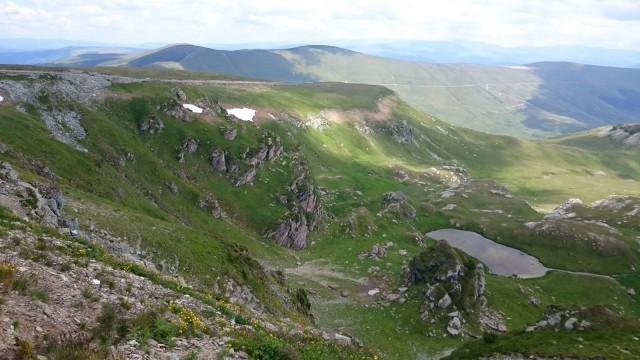 Maisemia Transalpina tiellä Romaniassa.