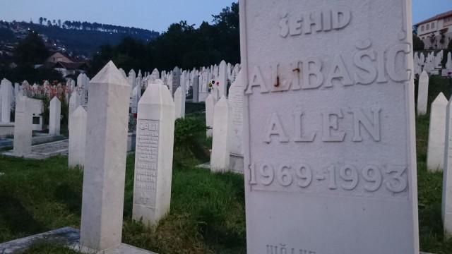 Sodassa 1991-1993 kuoli monta Sarajevossa.
