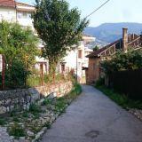 Sarajevon pikkukatuja.