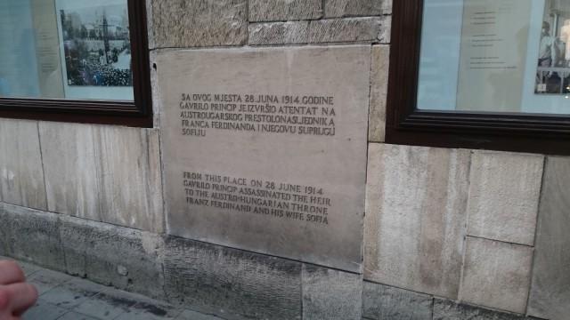 Tältä paikalta Gavrilo Princip ampui Sarajevon laukaukset.