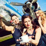 Cabin Crazy -revyy tarjoaa musiikki-ilottelua englanniksi