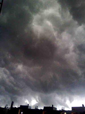 Harmaat pilvet eivät muuten aina ole näkymättömiä ja tylsiä