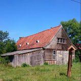 Hieman vanhempi talo Venäjällä Kaliningradin alueella.