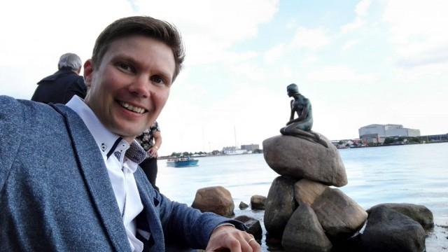 Ilkka Lavas ja pieni merenneito. Kööpenhamina. Tanska. Huawei Honor 7.