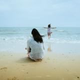 Dokumenttielokuva Äidin toive on liikuttava kuvaus äitiydestä ja naiseudesta